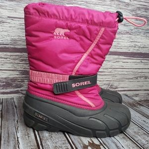 Sorel pink snow boots size 6
